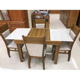 Conjunto de Mesa Esthelita Extensível 1,10-1,60m Vidro Fendi com 4 Cadeiras Estofadas Lia